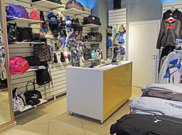 Мебель для спортивных магазинов